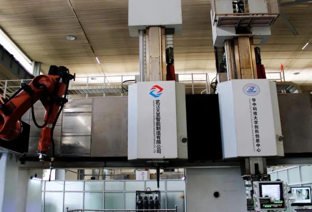 国家科技重大项目「微铸锻铣磨」增减材复合制造机床通过验收